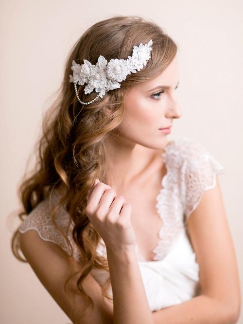 Vestuviniai plauku aksesuarai